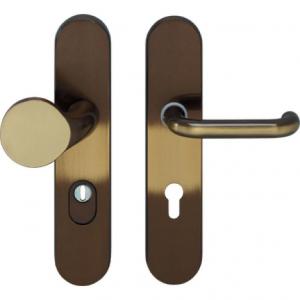 http://www.nb-deuren.nl/bestanden/cache/afb/83/Veiligheidsgarnituur_messing_gebruineerd_SKG--_AE.jpg
